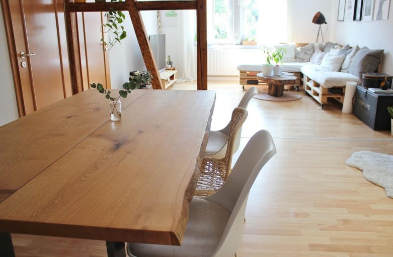 Unser neues Lieblingsstück: nachhaltiger Massivholztisch aus Eiche